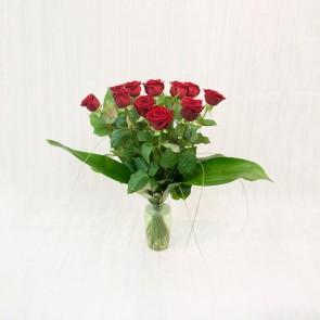 12 rose rosse a gambo medio
